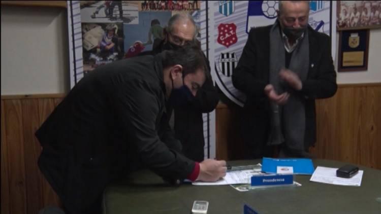 ENTREGA DE SUBSIDIOS PARA CLUBES DE LA LIGA REGIONAL